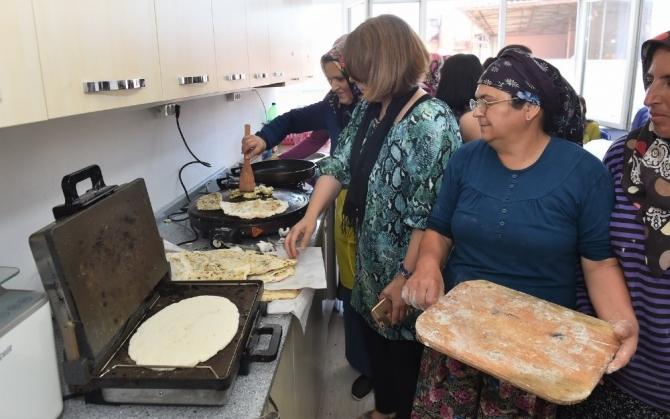 Uşak'ta Çölyak ve PKU hastalarına belediye desteği sürüyor