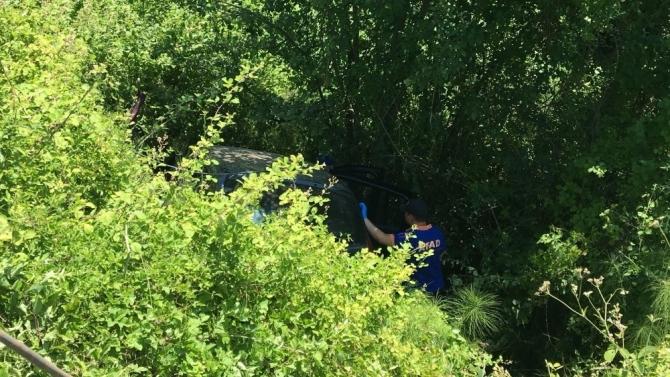 Bartın'da otomobil şarampole uçtu: 2 ölü, 3 yaralı