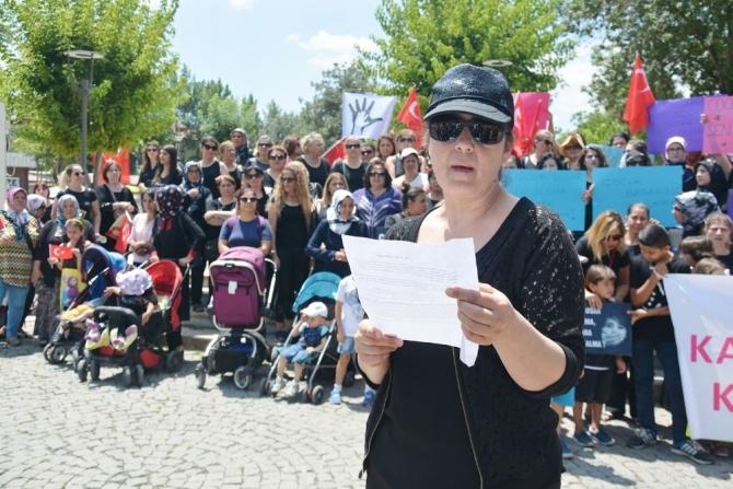 Uşaklı Kadınlar Çocuk istismarlarını protesto etti