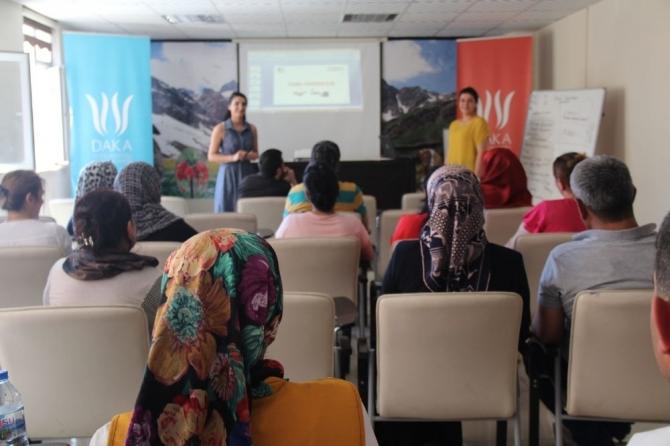 Hakkârili 150 girişimci adayı eğitime başladı