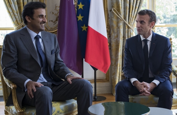 Macron, Katar Emiri'ni ağırladı