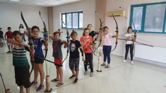 Manisa'da ata sporu okçuluğa yoğun ilgi