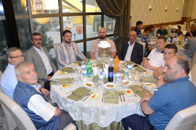 Binbaşı Süleyman Can'a veda yemeği