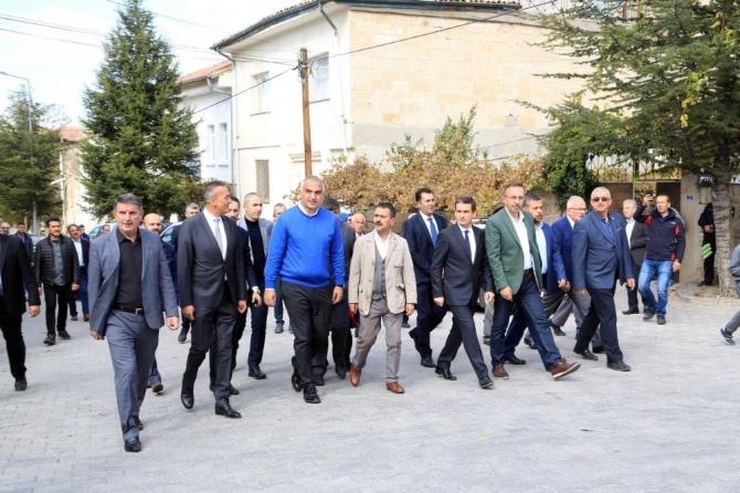 Kültür ve Turizm Bakanı Ersoy, Kapadokya'da incelemelerini sürdürüyor