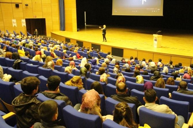 Diyarbakır'da kariyer zirvesi düzenlendi