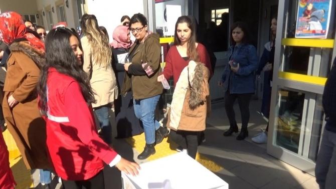 KPSS sonrası ihtiyaç sahibi öğrenciler kalem ve silgi topladı