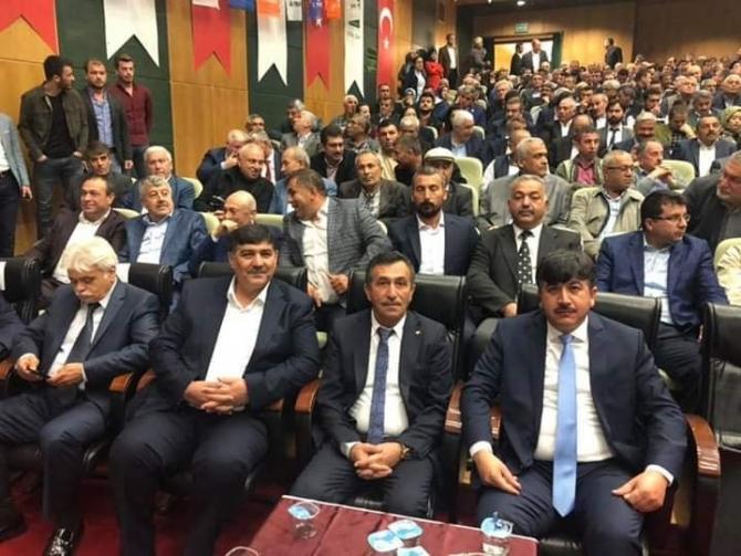 Osmaniye'de CHP'li Belediye Başkanı istifa edip AK Parti'ye katıldı