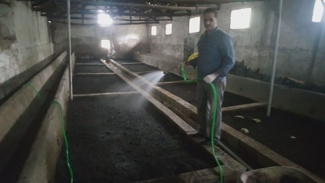 Solucanlardan doğal gübre üretiyor