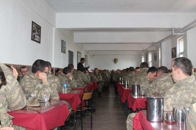 """Bedelli Askerlere """"Kadına Yönelik Şiddetle Mücadele"""" semineri"""