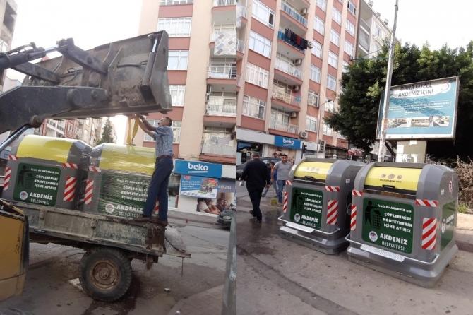 Akdeniz'e modern çöp konteynırları