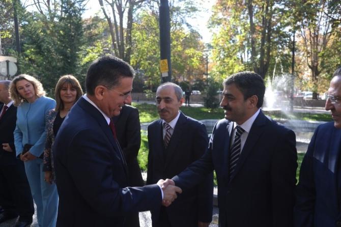 Vali Topaca Ankara'ya veda etti