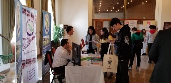 Düzce Üniversitesi kariyer günleri'nde liseli öğrencilerle buluştu