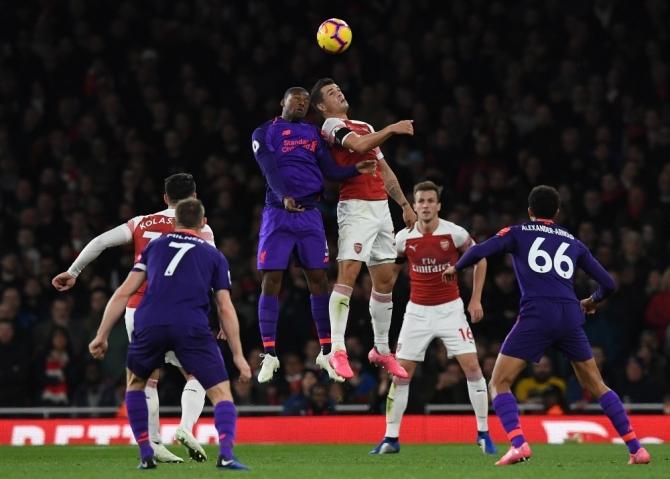 City lider, Chelsea ve Liverpool takipte