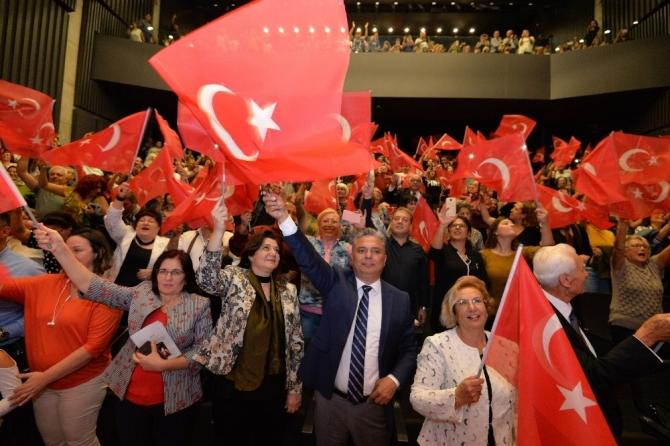 Muratpaşa'da 'Atatürk ve Cumhuriyet'e Vefa Konseri'