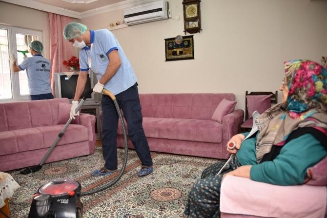 Yunusemre Belediyesi gönüllere dokunuyor