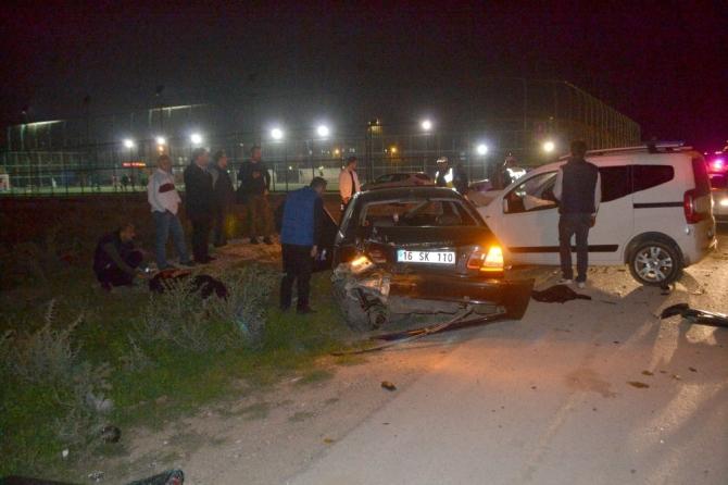 Antrenman izleyen çifte otomobil çarptı: 1 yaralı