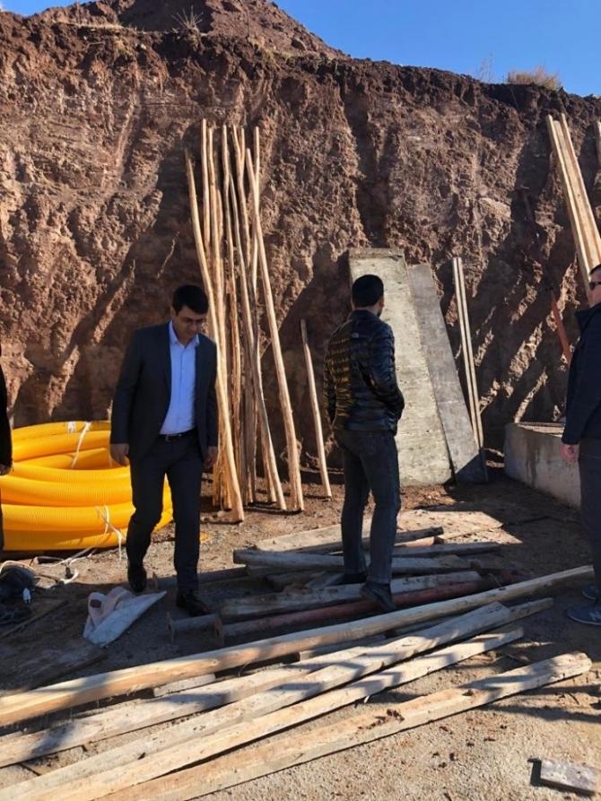 Kaymakam Kartal, çocuk evleri inşaatını inceledi