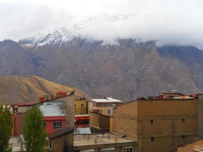 Sümbül Dağı'na kar yağdı