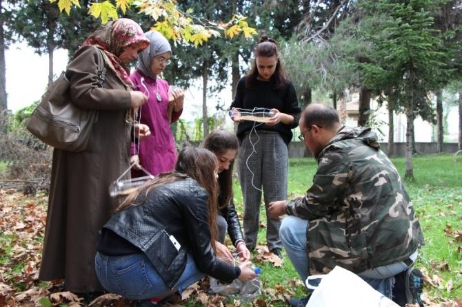 OMÜ'lü öğrencilerden kuşlara yem
