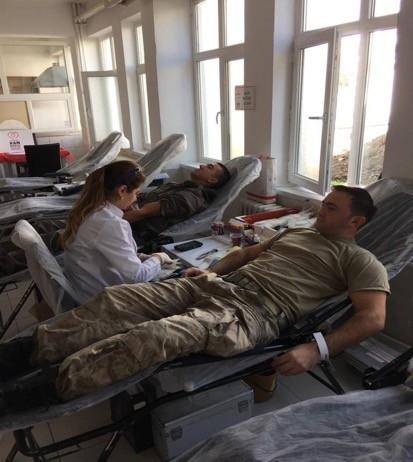 Mehmetçik kan bağışında