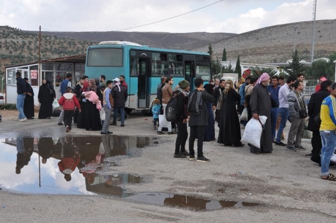 Suriyelilerin bayram dönüşleri sürüyor