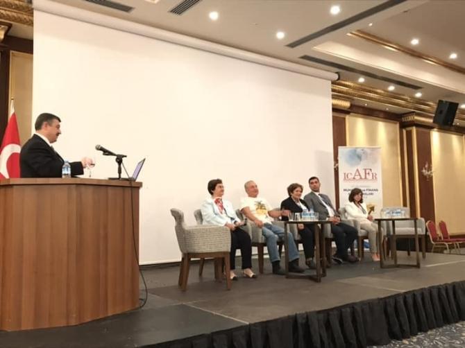 SAÜ'de 'Uluslararası muhasebe ve finans araştırmaları' kongresi gerçekleşti