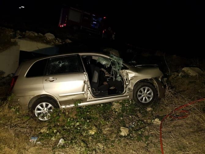 Mültecileri taşıyan araç şarampole uçtu: 1 ölü, 5 yaralı
