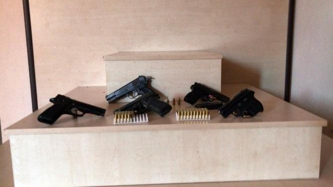 Uşak polisi silah tüccarlarına operasyonlarını artırdı