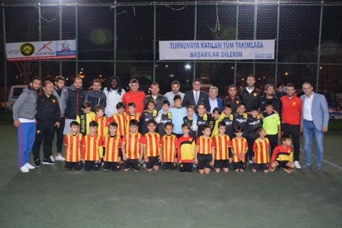 Aliağa 3. Geleneksel Gençlik Turnuvası Atatürk Kupası başladı