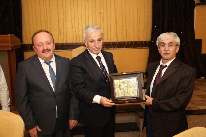 """Vali Kamçı: """"Alnımızın akıyla Kayseri'den ayrılıyoruz"""""""