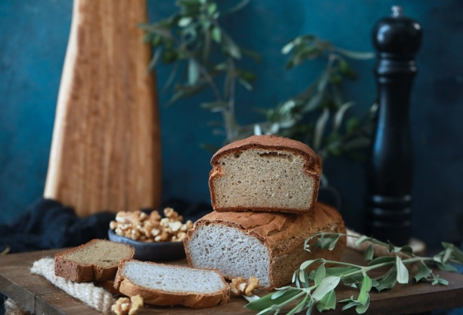 Eat your bread healthily and conscientiously