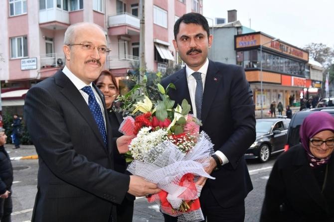 Bakan Kurum Balıkesir Büyükşehir Belediyesini ziyaret etti
