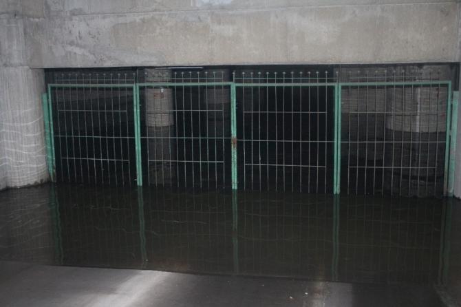 İzmir Şehirlerarası Otobüs Terminali sular altında kaldı, elektrikler kesildi