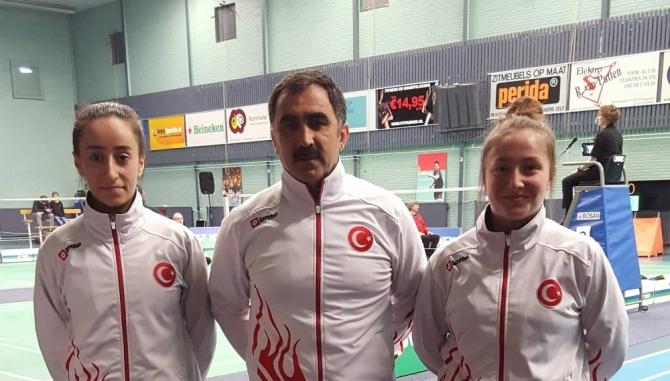 Erzincanlı Sporcular İran'dan madalyayla döndü