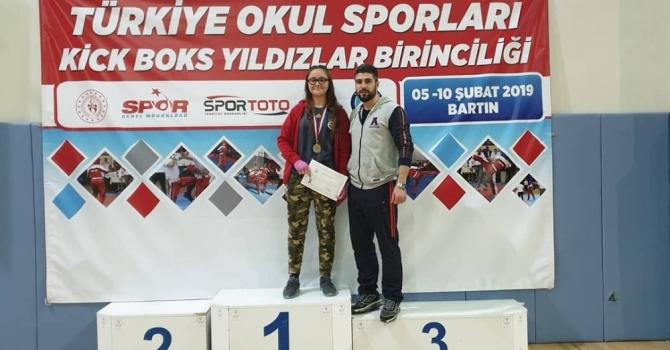 Kick Boks'ta Türkiye Şampiyonu oldu