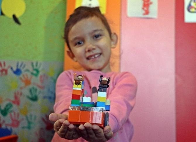 Minikler hayallerindeki robotu tasarlıyor