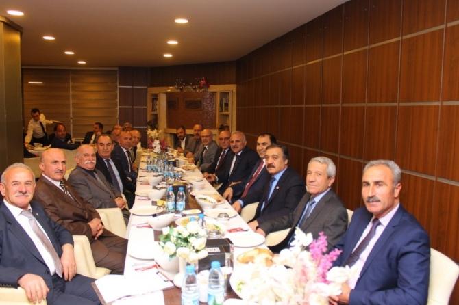 Vanlı dostlarından Zorluoğlu'na destek ziyareti