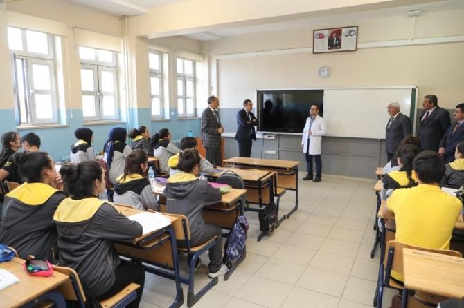 Kars Valisi Türker Öksüz, Kars Fen Lisesi'de