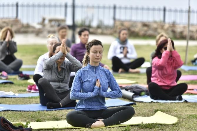 Muratpaşalı kadınlar, spor yaparak Çevre Festivali'ne davet etti