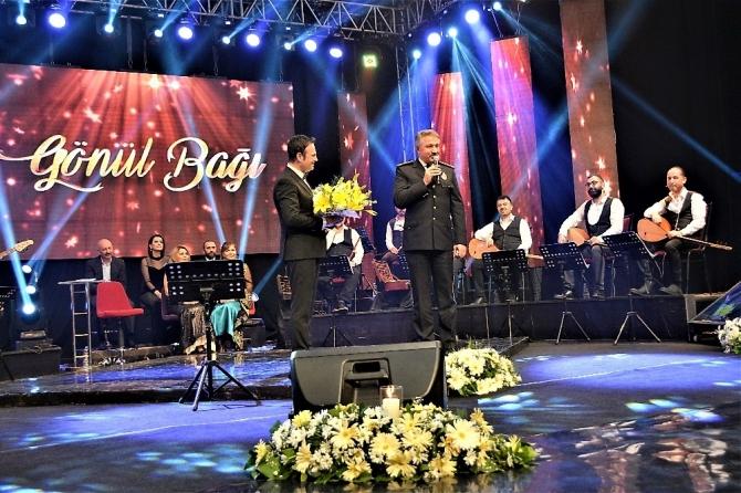 TRT İzmir Radyosu Türk Polisini unutmadı