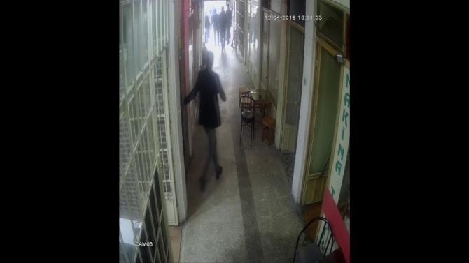 Sakarya'daki depremde vatandaşın korku dolu anları kameraya yansıdı