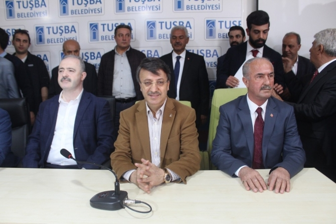 KHK'lı HDP'linin yerine AK Parti'li aday mazbatayı aldı