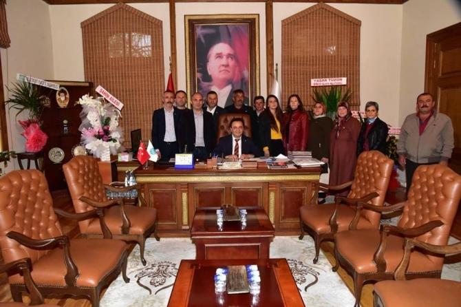 Başkan Şahin'e hayırlı olsun ziyaretleri devam ediyor
