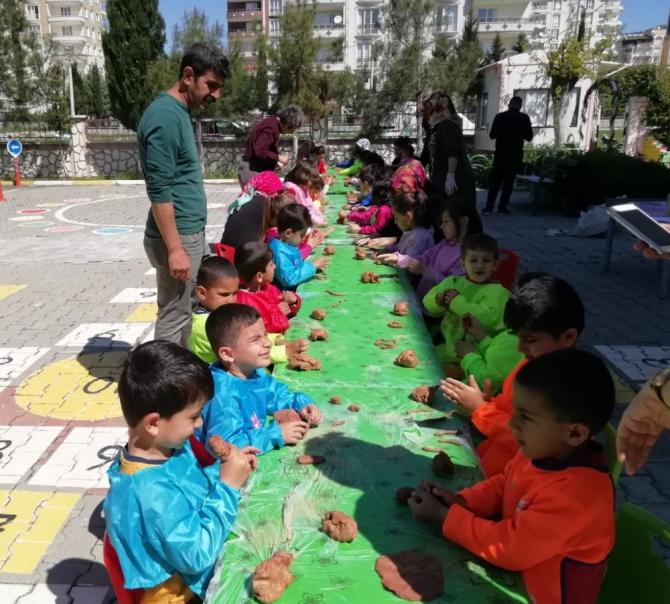 Anaokulunda Bahar ve Çocuk Şenliği düzenlendi