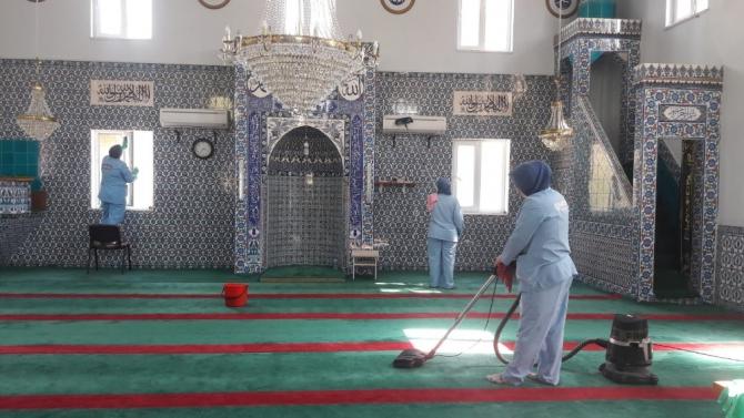 Karesi'de ibadethanelerde ramazan temizliği