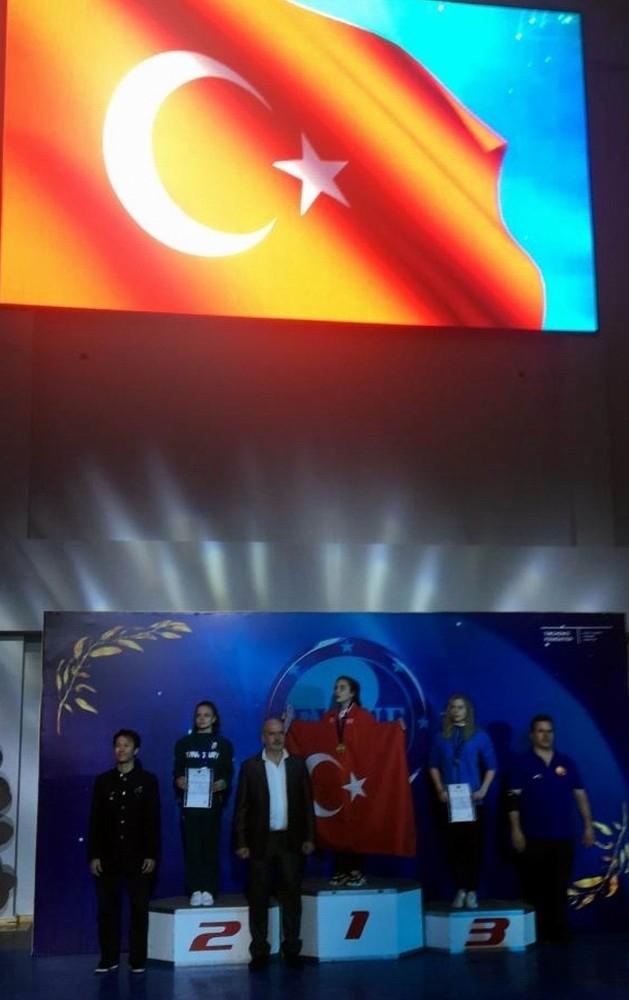 Meram Belediyesporlu Sıla Avrupa Şampiyonu oldu