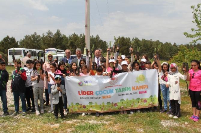 """""""Lider Çocuk Tarım Kampı"""" büyük bir coşkuyla gerçekleştirildi"""