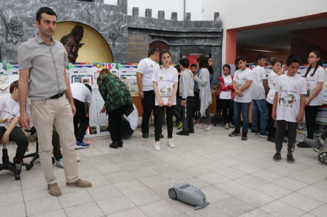 Öğrenciler projelerini TÜBİTAK Sergisi'nde tanıttı