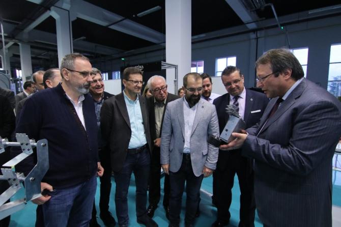 BALKANTÜRKSİAD yönetimi Bursa Model Fabrika'yı gezdi