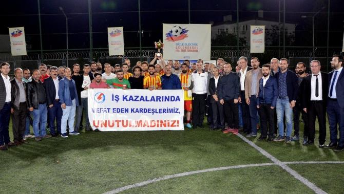 Dicle Elektrik Halı Saha Futbol Turnuvasında şampiyon Şırnak oldu